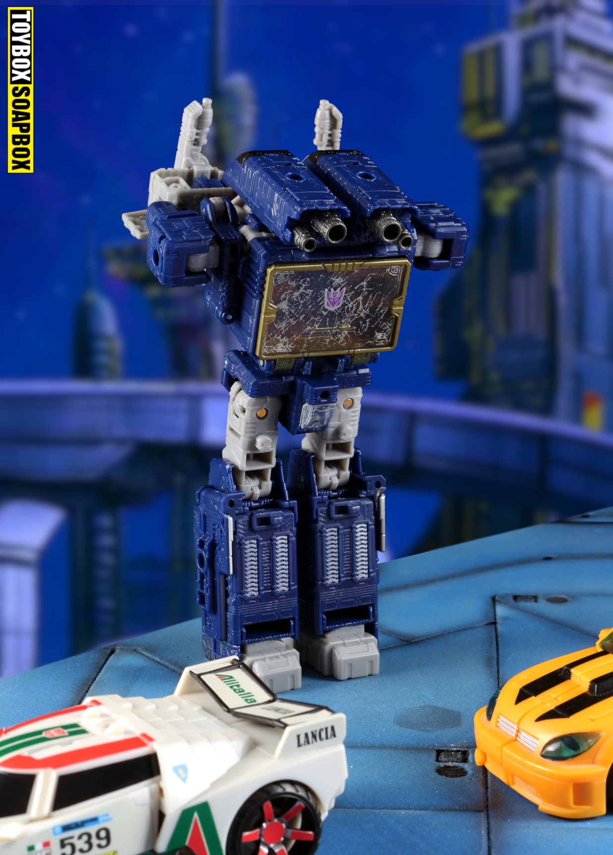 transformers siege soundwave lampost mode