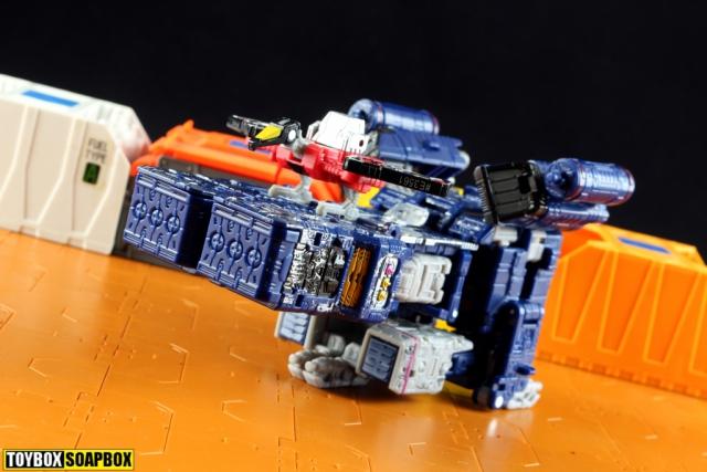 transformers soundwave laserbeak siege