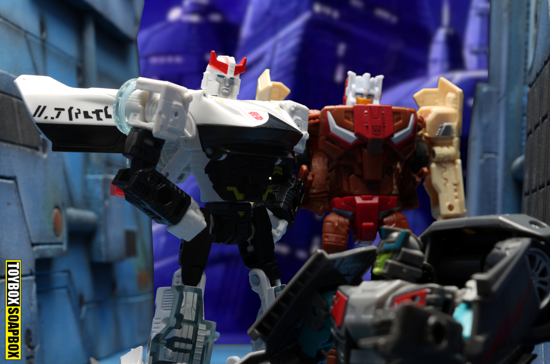 transformers siege prowl review