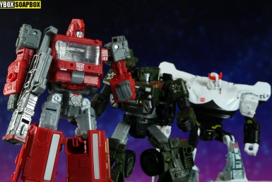 siege ironhide transformers hound prowl review