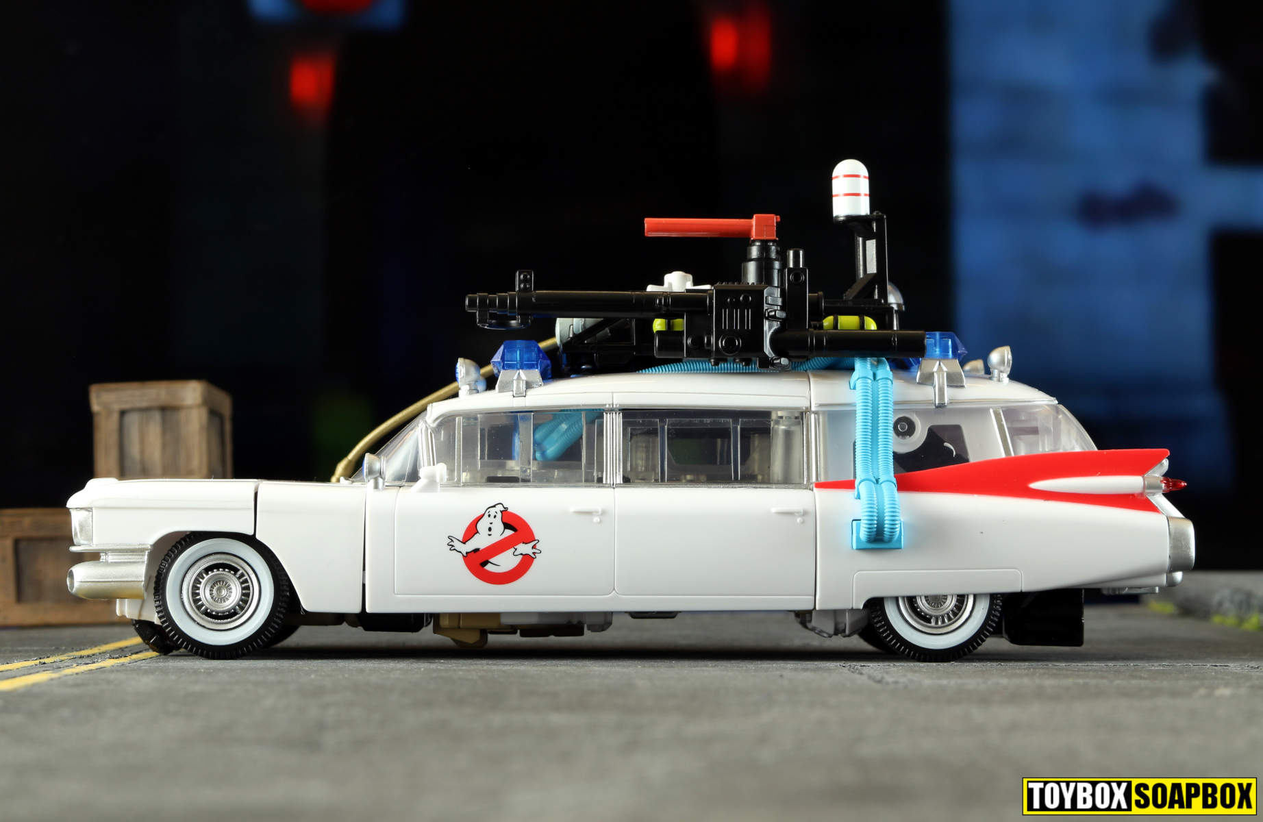 ecto 1 transformers ghostbusters crossover review