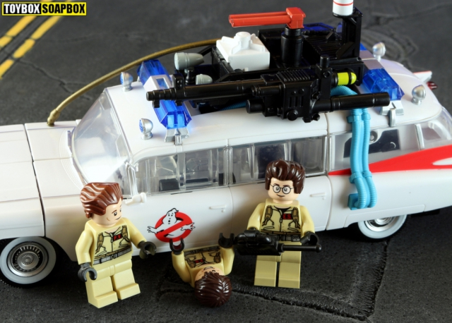 ectotron proton pack roof with lego ghostbusters