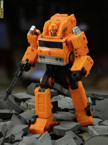 earthrise-grapple-robot-mode