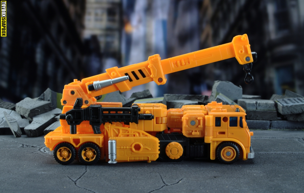 transformers-earthrise-grapple-vehicle-gun