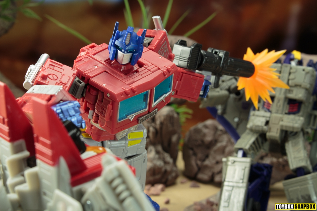 optimus prime blasts earthrise starscream and astrotrain