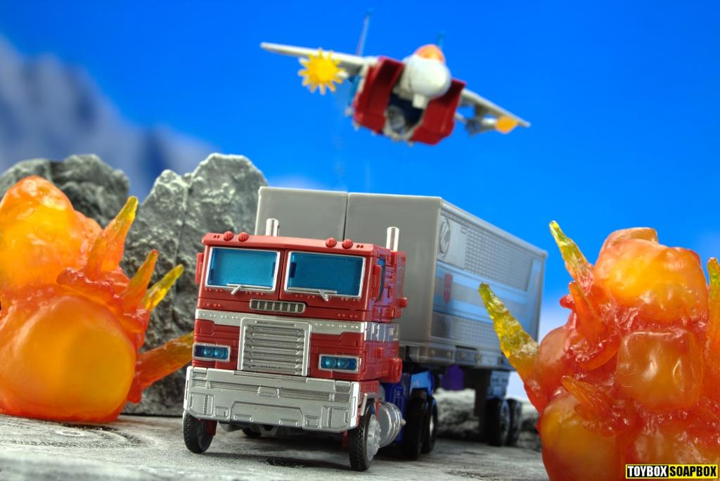 earthrise optimus prime and starscream