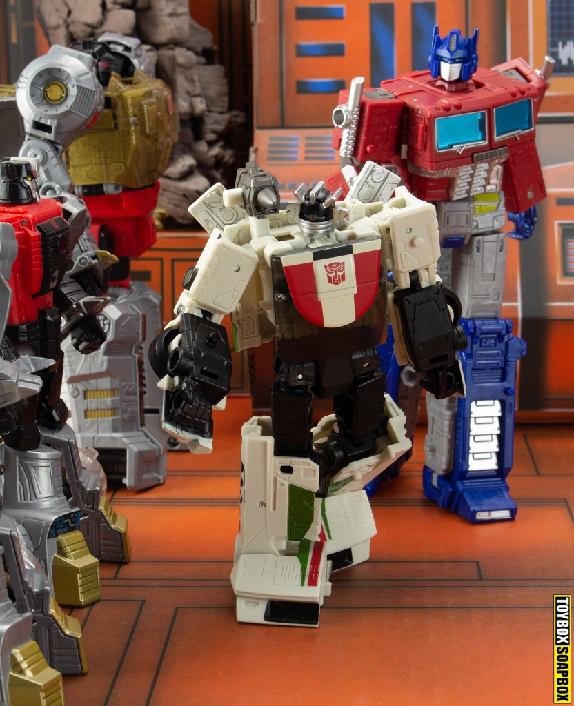 transformers earthrise wheeljack optimus prime grimlock