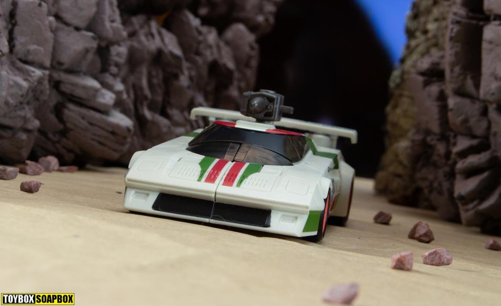 transformers Earthrise wheeljack lancia stratos