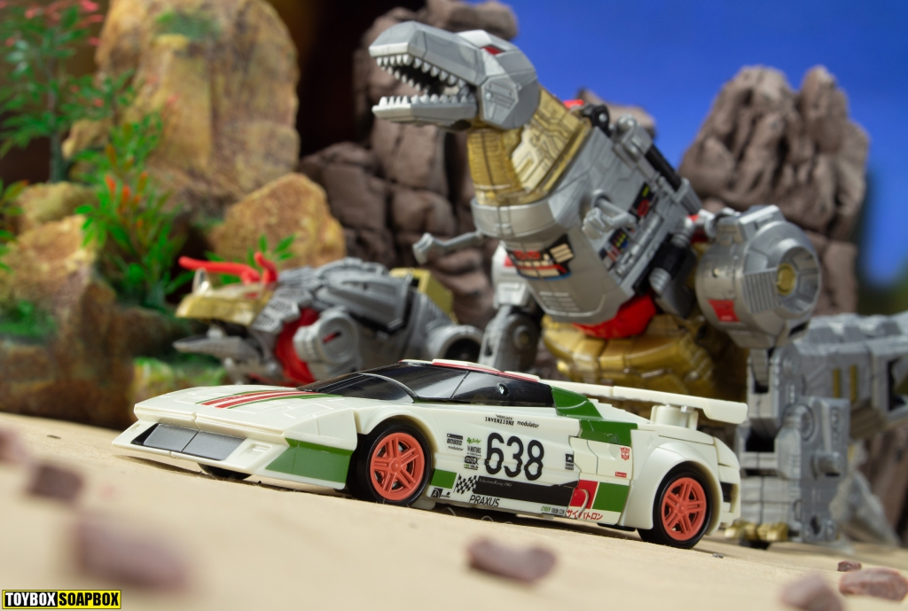 transformers Earthrise wheeljack with dinobots