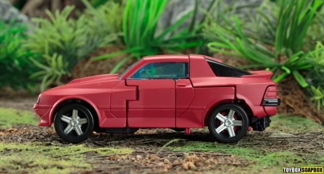 transformers earthrise cliffjumper vehicle mode side 2