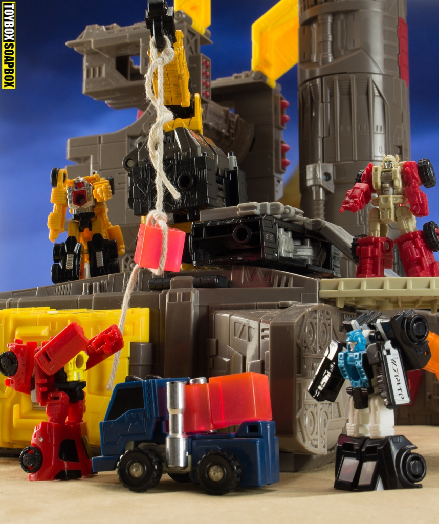 Ironworks and micromaster load energon siege omega supreme