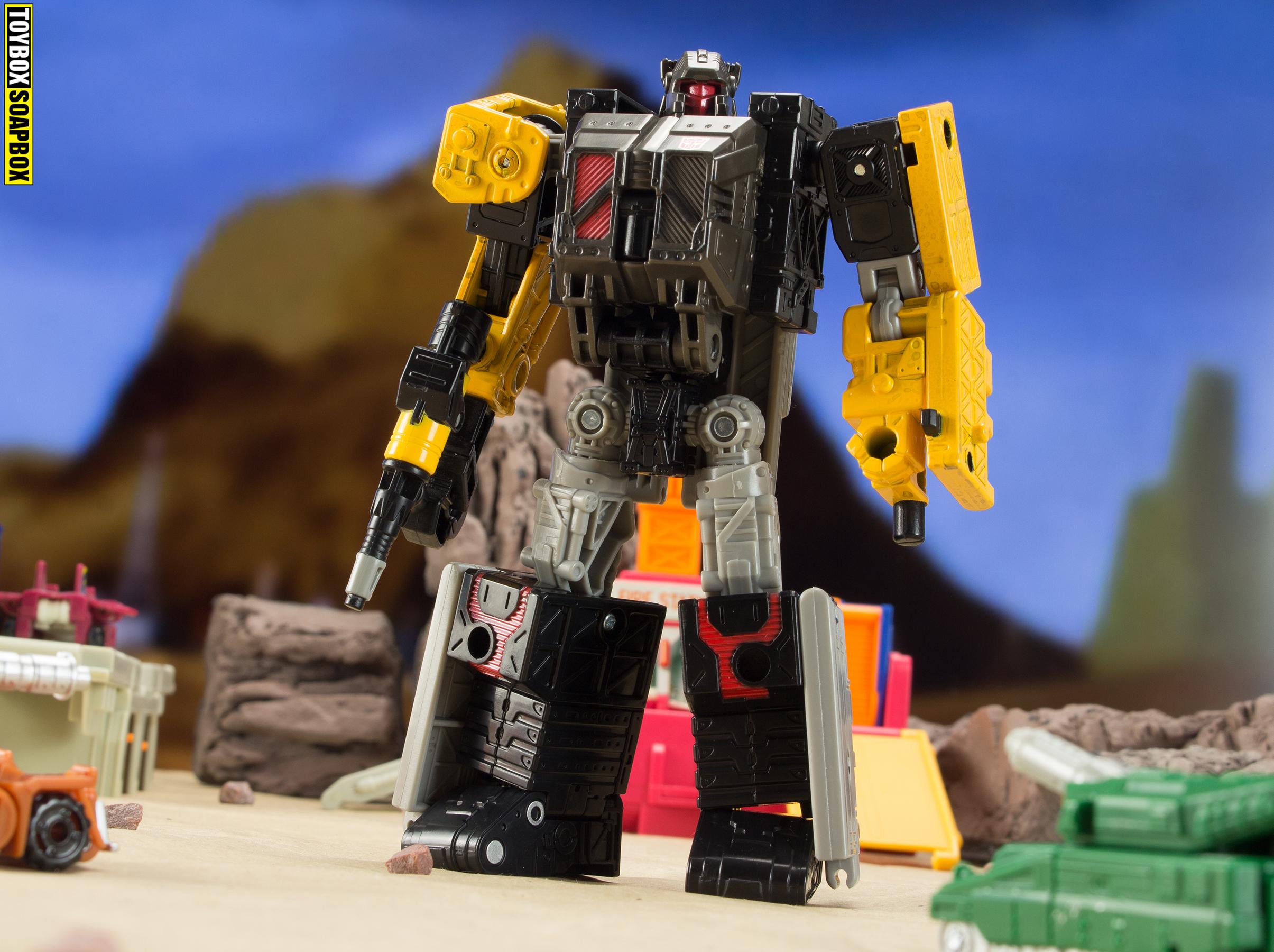 Transformers earthrise deluxe modulator ironworks robot