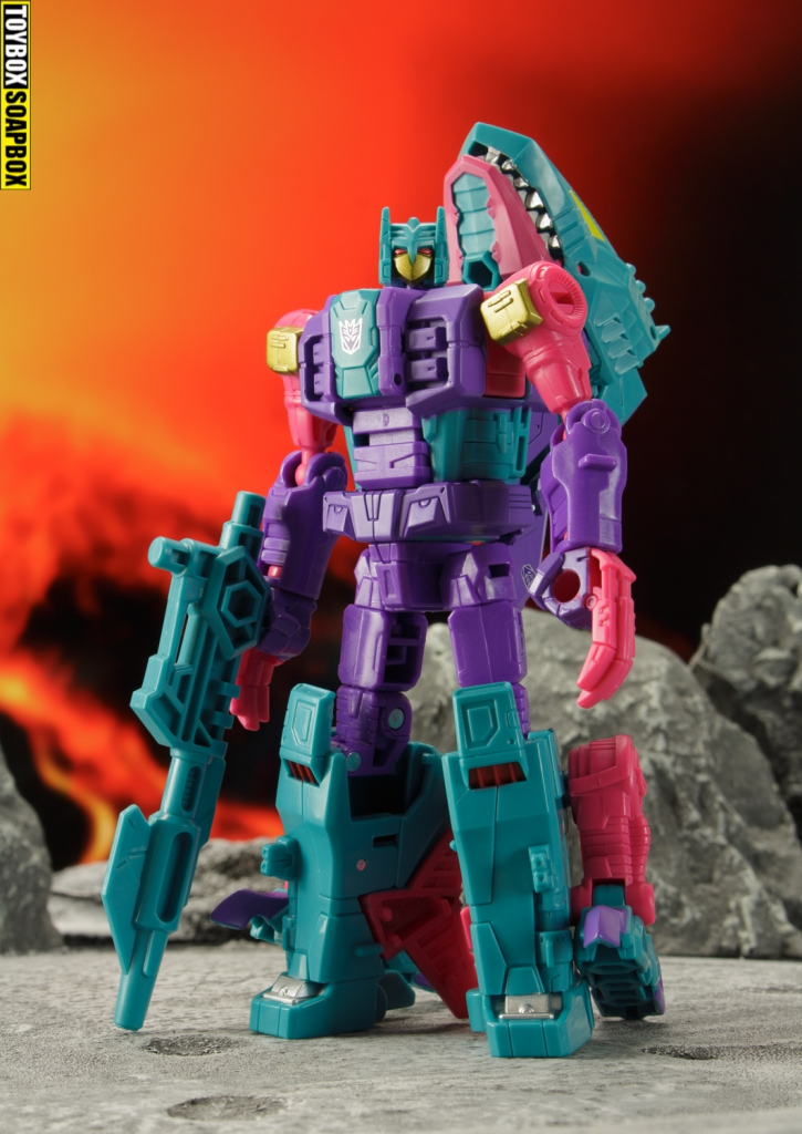 transformers-generations-selects-seacon-overbite-review