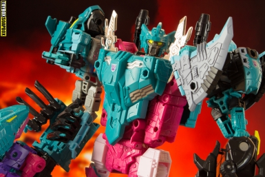 transformers-generations-selects-piranacon-seacons-review