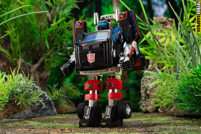 Trailbreaker-takara-encore-transformers-review-bot-mode