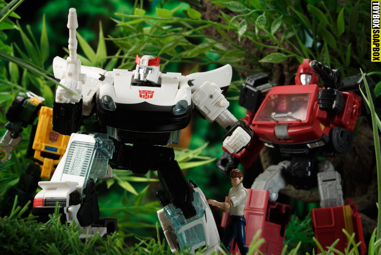 autobot-alliance-earthrise-prowl-ironhide