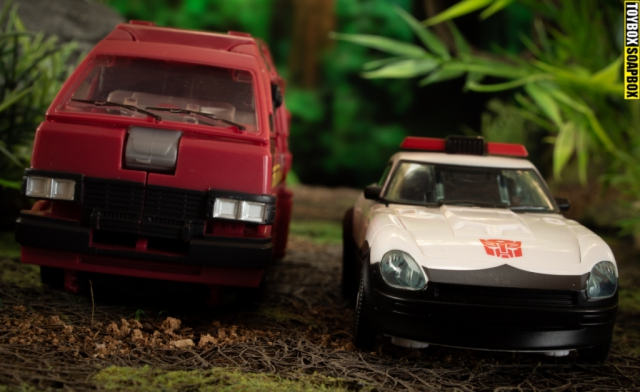 autobot alliance ironhide and prowl vehicle mode
