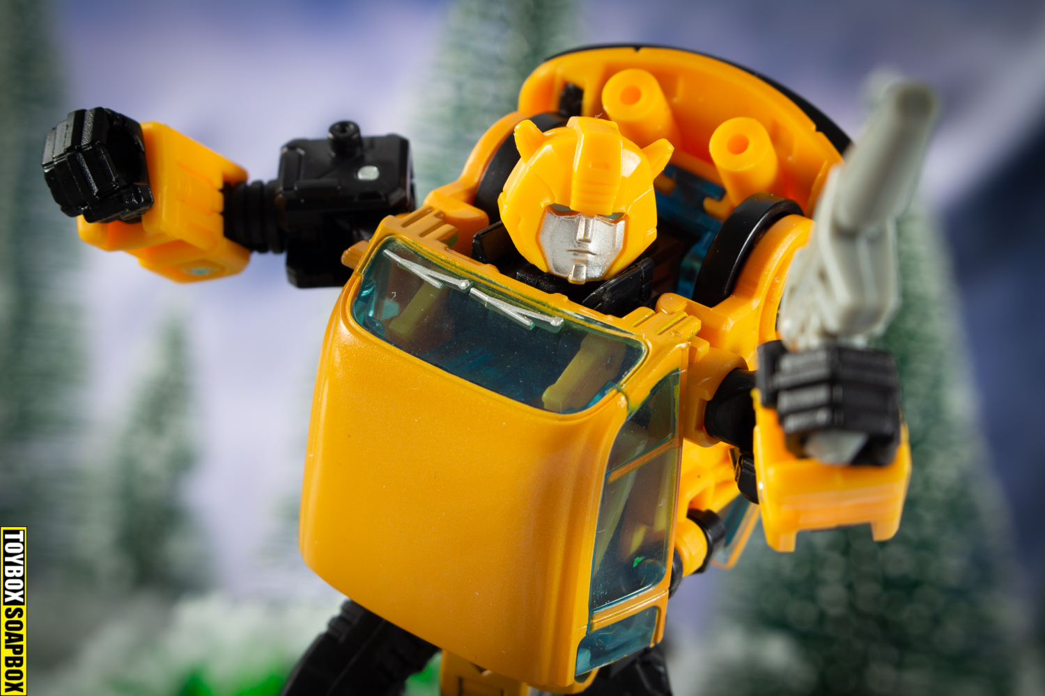 Transformers earthrise netflix bumblebee review