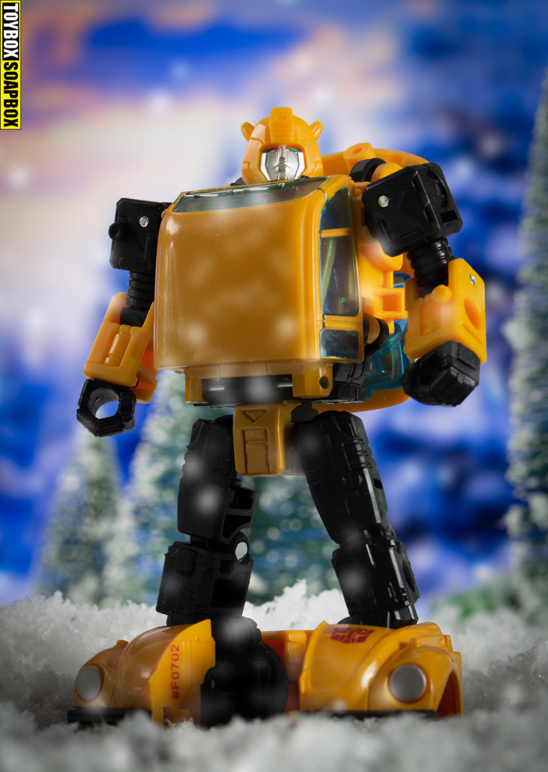 Transformers earthrise bumblebee netflix review snow