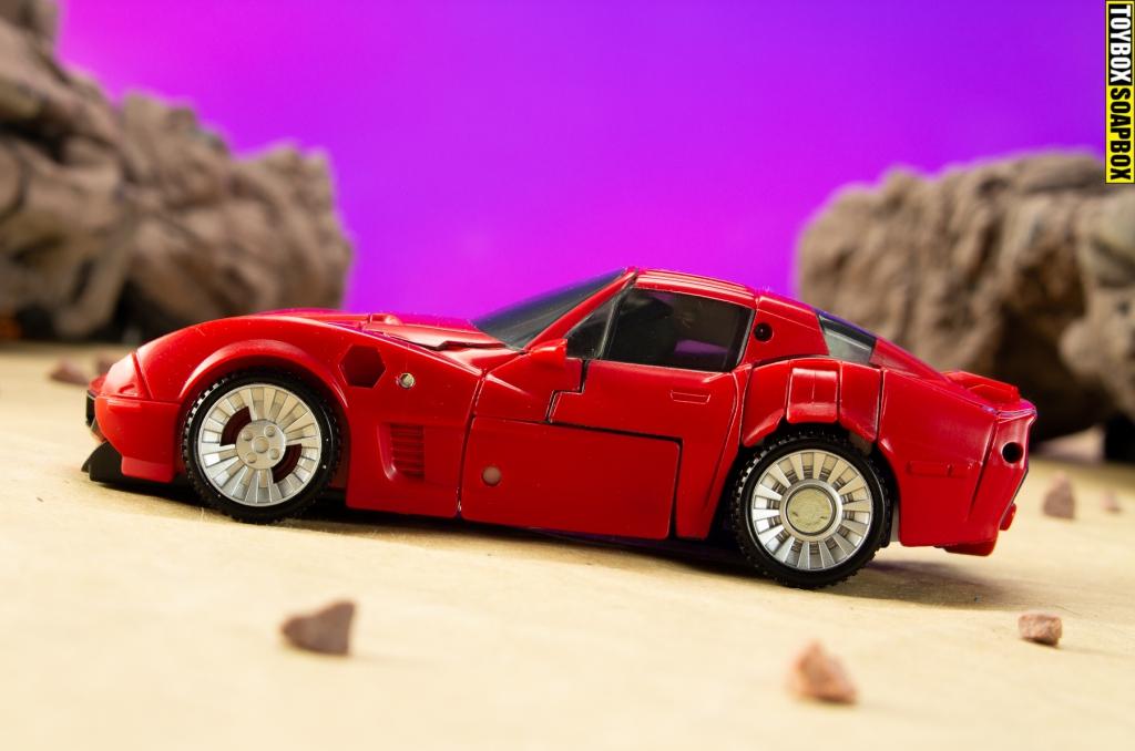 transformers-kingdom-corvette-side